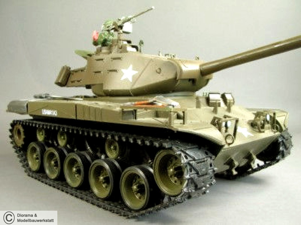 rc panzer hl walker bulldog m41 a3 mit rauch sound 1. Black Bedroom Furniture Sets. Home Design Ideas